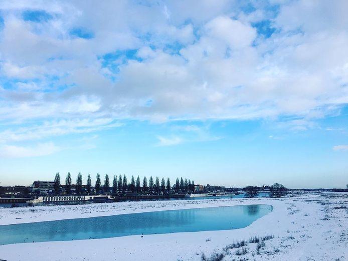 Arnhemmer Kai Vermaas  maakte deze prachtige winterse foto vandaag  van de Rijn.