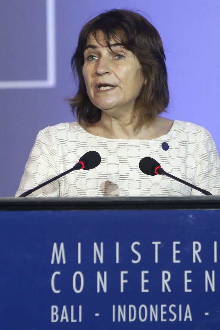 Minister Ploumen spreekt de zaal toe tijdens de conferentie Beeld epa