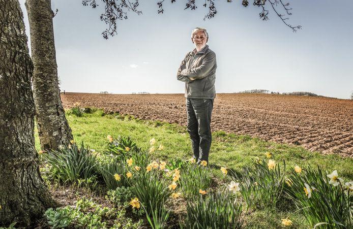 Piet Hardeman ijvert voor het heropenen van trage wegen om op die manier nieuwe wandelpaden te creëren.