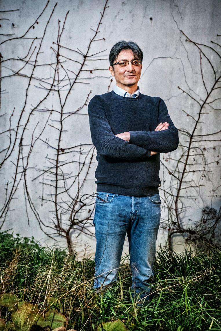 """Tarik Fraihi: """"Als je een asielquotum van vijftig aanvragen per dag oplegt, dan organiseer je zelf de chaos."""" Beeld Tim Dirven"""