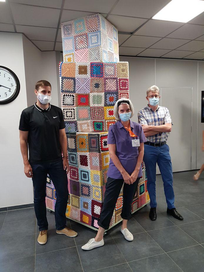 'Meet-Kub-Us', zo heet het kunstwerk dat bewoners en hun familie, medewerkers en vrijwilligers van woonzorgcentrum Ten Weldebrouc in Willebroek maakten.