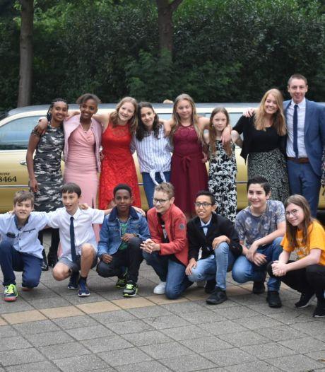 Groep 8 krijgt toch mooi afscheid ondanks corona: dikke limousine voor de deur
