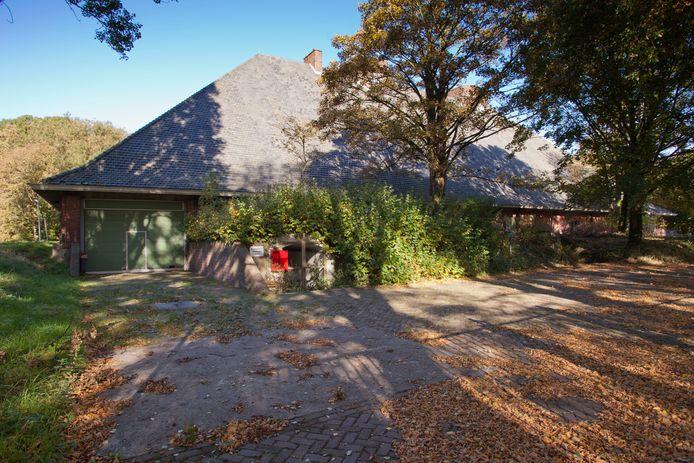 De als boerderij 'vermomde' bunker op landgoed Clingendael.