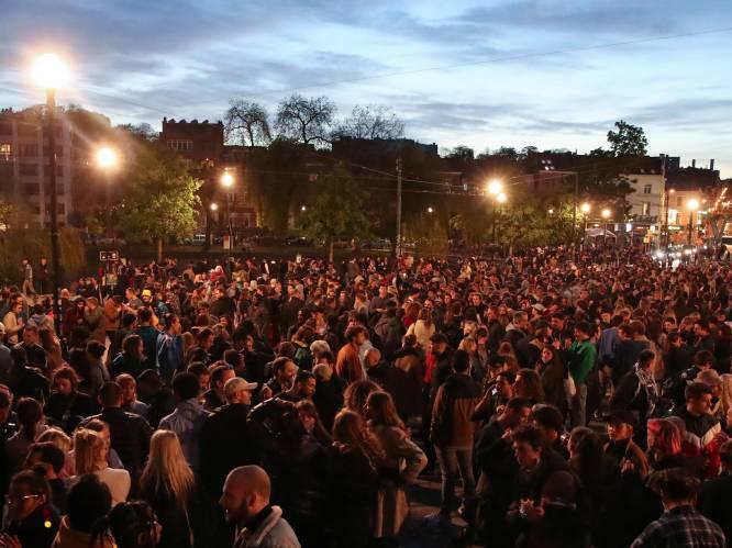 Zeker 1.500 aanwezigen op Flageyplein, politie grijpt nog niet in