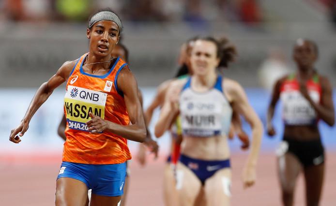 Sifan Hassan op weg naar goud tijdens een indrukwekkende race op de 1500 meter.