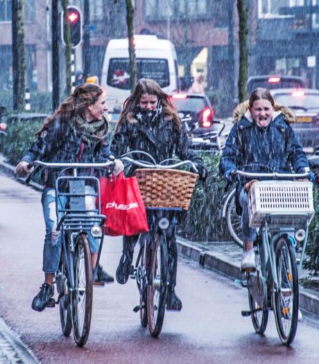 Waterkoude dagen in Twente, sneeuw in Limburg