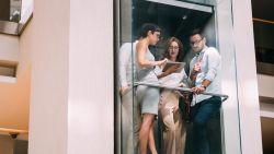 Wetenschappers verklaren dat vreemde sfeertje in de lift