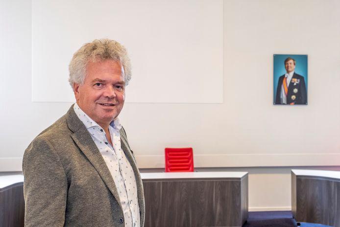 Jan van Workum gaat binnenkort met pensioen. Op 16 december is zijn laatste raadsvergadering. Inmiddels is Göran Winters benoemd tot zijn opvolger.