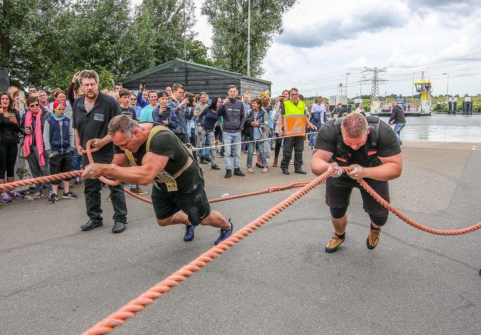 De editie van Trek de Pont van twee jaar geleden in Nieuw Beijerland.