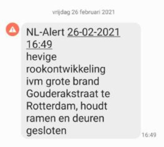 Mensen in de omgeving hebben een NL-Alert ontvangen in verband met de rookontwikkeling.