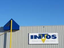 Gratis zomerkleding uitzoeken voor minima in INTOS-gebouw Heijen