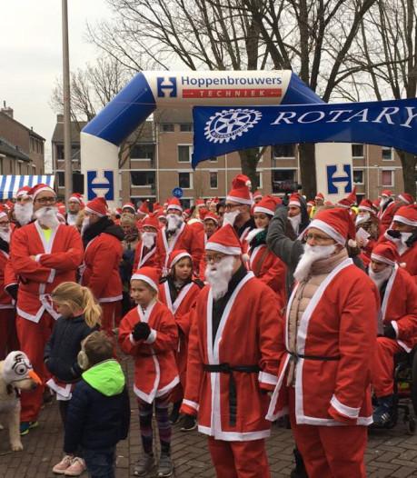 Verkleed als Kerstman rennen voor het goede doel door Oss