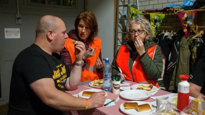 Hoofdbrekens tijdens dorpskwis van Wagenberg: welke extra kruiden zitten er in een worstenbroodje?