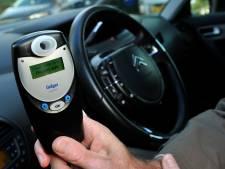 Automobilist (24) botst op boom in Hoogerheide: alcoholgebruik onder de loep genomen