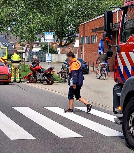 Motorrijder ernstig gewond door botsing met auto in Groesbeek