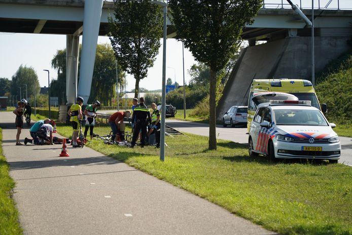 Twee wielrenners kwamen met elkaar in botsing in Babberich.