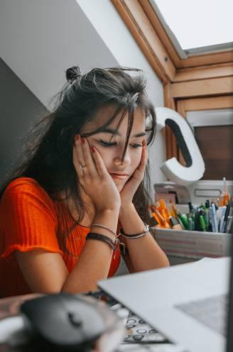 """Leerkracht Elke introduceert het vak 'Emotionele intelligentie'. """"Een student met meer zelfkennis is succesvoller"""""""