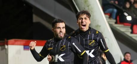 Azzagari en Van Hecke knokken zich met NAC langs Jong Ajax