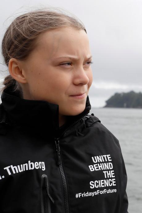 """Le voyage de Greta Thunberg pollue-t-il vraiment moins? """"L'équipage fait l'aller-retour en avion"""""""