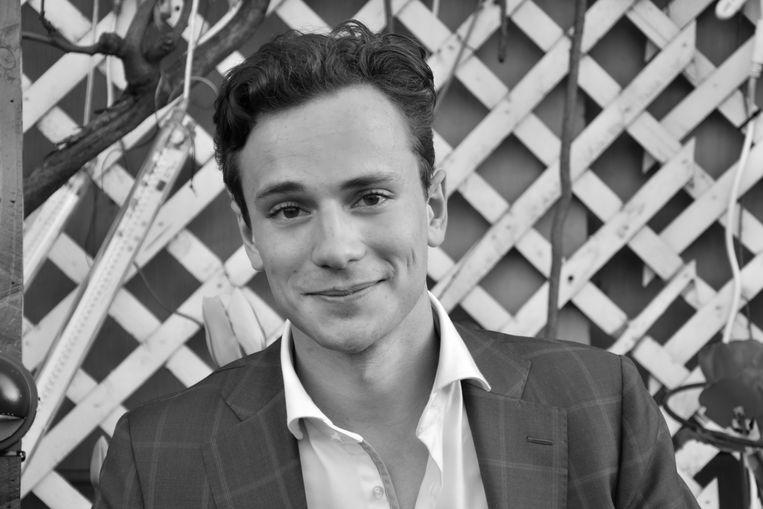 David Olmer is masterstudent fiscaal recht en volgt daarnaast de dubbelstudie economie en recht aan de Erasmus Universiteit Rotterdam. Beeld