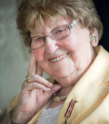Mia Lelivelt (1925 – 2020) uit Lichtenvoorde was een leven lang verbonden met de piloten en de oorlog