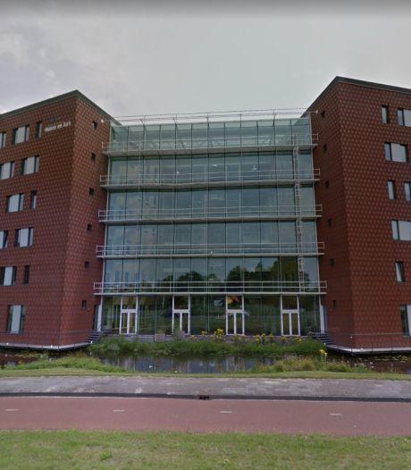 Waterschap Hunze en Aa's levert zandzakvulmachines en medewerkers aan Limburg