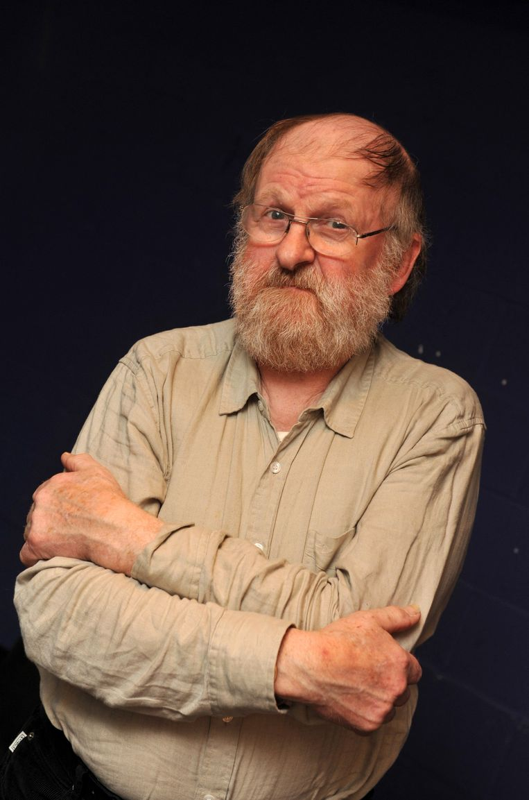 Willem Vermandere, die zijn kleinkind verloor, geeft een optreden.