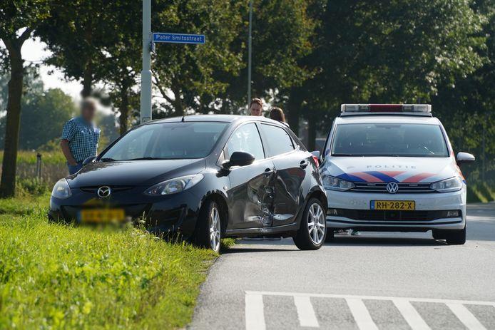 Bij een ongeluk op de kruising van de Beekseweg en de Pater Sfmitsstraat in Didam is één persoon gewond geraakt.