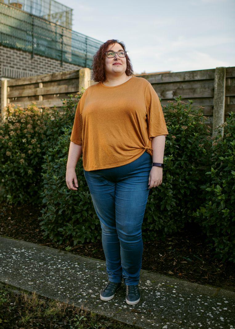 """Kim De Paep: """"Ik ben dik, dat is nu eenmaal de vorm die mijn lichaam heeft. Het is gedaan met waardering te zoeken bij andere mensen."""" Beeld Tim Coppens"""