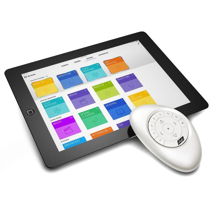 PowerView Motorisation wordt bediend met de PowerView App of met de Pebble. Beeld Luxaflex