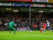 Trefzekere Mats Deijl beleeft als invaller 10 bizarre minuten met GA Eagles: 'Gewoon al die ballen weg janken'