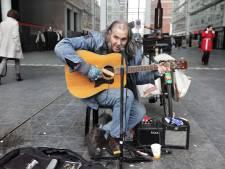 'Sterrencast' op eerste festival ter ere van overleden straatmuzikant Chuck Deely