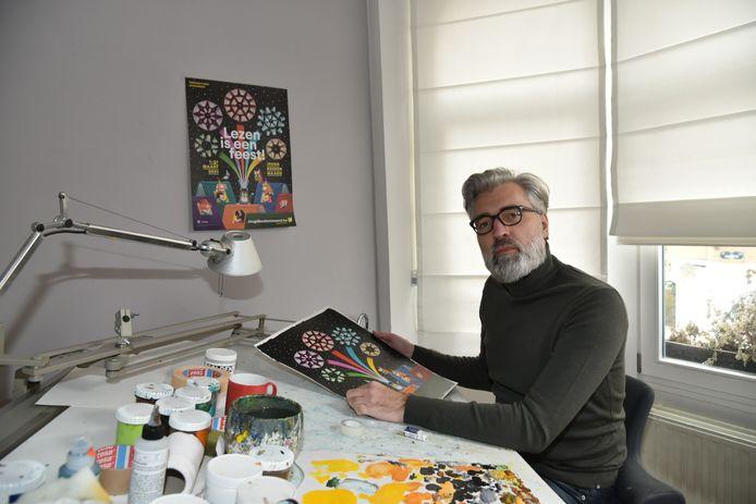 Illustrator Leo Timmers ontwierp de affiche voor de jubileumeditie van de Jeugdboekenmaand.