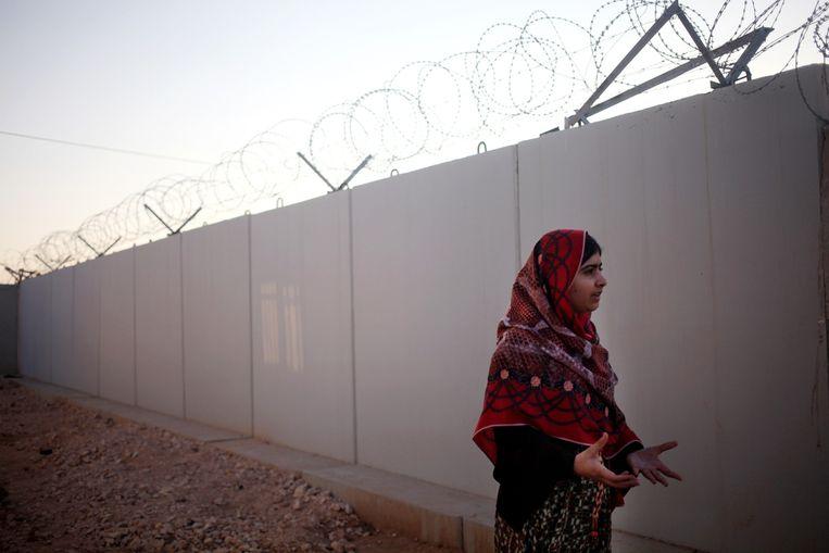 Malala Yousafzai in een vluchtelingenkamp in Syrië, afgelopen februari. Beeld ap