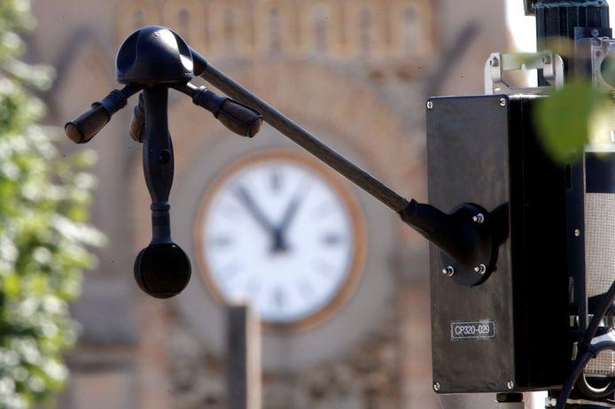 In navolging van Parijs probeert Rotterdam de noise radar voor luidruchtig verkeer uit. Als het daar werkt, wil de VVD het ook wel in Arnhem uitproberen.