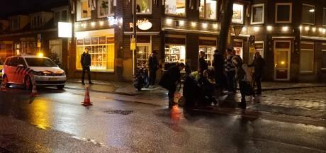 Vrouw op scooter gewond bij ongeluk in Deventer