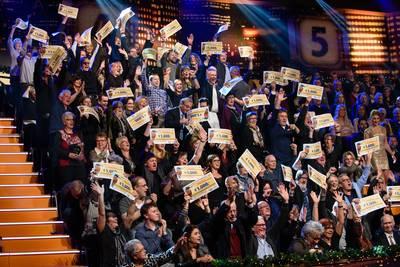 Inwoners Wagenberg slepen 50.000 euro in de wacht bij eindejaarsshow Miljoenenjacht