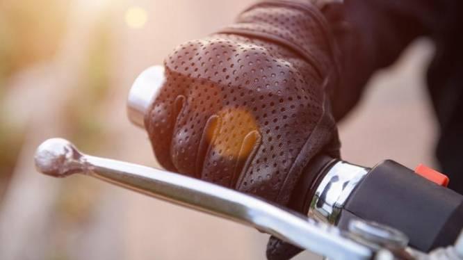 Ritje met opgefokte motorfiets levert 29-jarige boete en rijverbod op