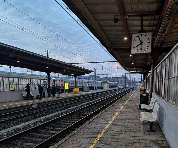 De pendelaar werd onwel op spoor 3.