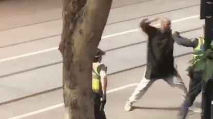 """Australische premier onder vuur na kritiek op moslimgemeenschap: """"Dader van steekpartij in Melbourne kreeg haatdragende ideeën niet van de postbode"""""""