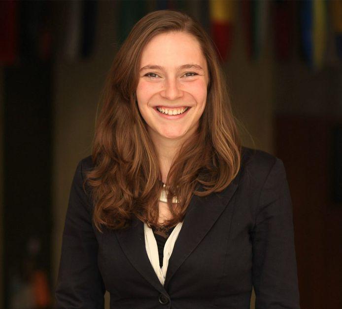 """Audrey Hanard, 36 ans, est """"associate partner"""" pour le cabinet Dalberg Global Advisors, présidente du réseau Be education, ancienne présidente du think tank Groupe de Vendredi et ancienne manager chez Telos Impact, précise bpost."""
