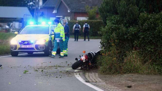 Motorrijder zwaargewond afgevoerd