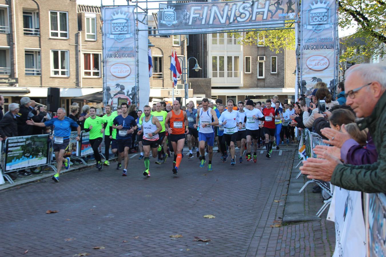 De start van de Ten Miles tijdens een vorige aflevering van de jaarlijkse Krollenloop in Veghel.