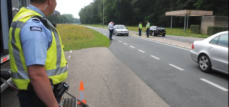 Rotterdammer (35) met arsenaal aan wapens in camperbusje opgepakt bij grensovergang Beek