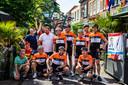 Tommie's Bike Team bestaat uit Kristel Klink, Maarten Koerkamp, Sjoerd Jansen, Thomas de Vos, Niels Bergevoet, Ruben Cents, Robin Hofstede en Kasper Borgonjen en hun begeleiders .