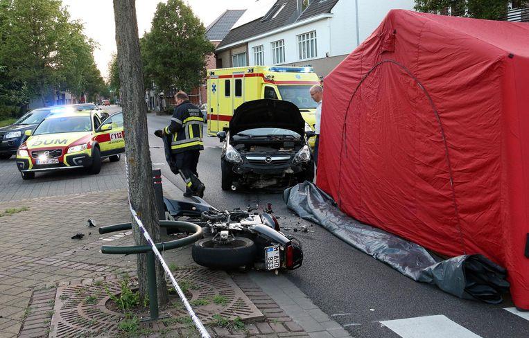 Volgens getuigen reed de motorrijder veel te hard.