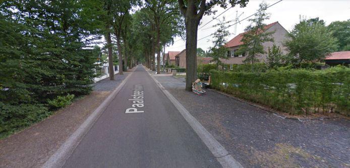 De Paalsteenlaan in Neerharen, een deelgemeente van Lanaken.