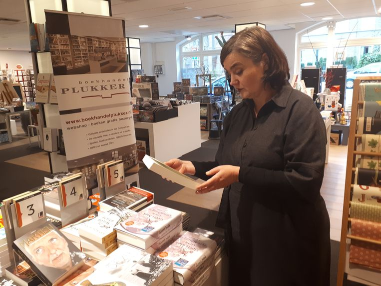Margreet Plukker is vierde generatie boekhandelaar. Beeld Emiel Hakkenes