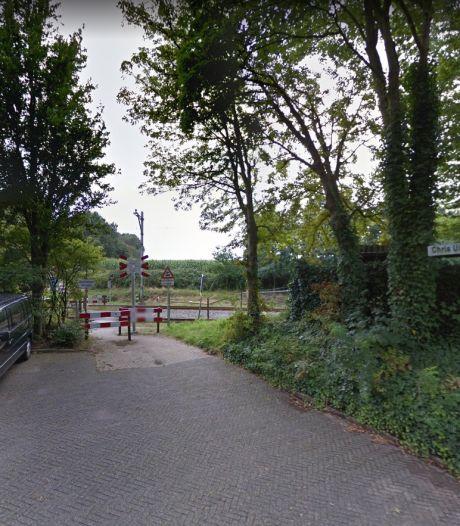 Gemeente Soest gaat onderzoeken of onbewaakte spoorwegovergang op De Gouden Ploeg beveiligd of opgeheven moet worden