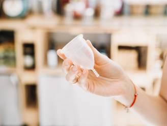 1 op de 8 meisjes kan zich geen menstruatieproducten veroorloven. Mutualiteit deelt gratis menstruatiecups uit